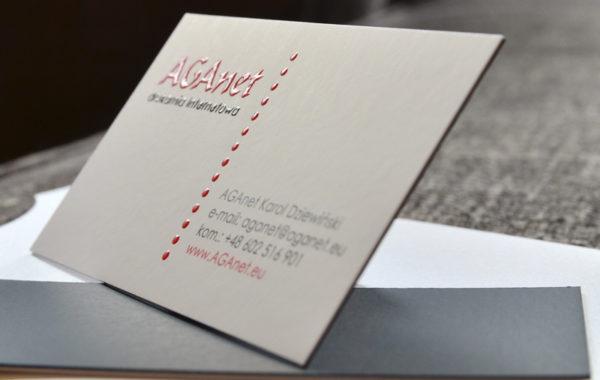 Wizytówki klejone z drukiem wypukłym