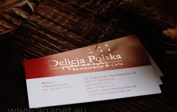 Złota folia na wizytówkach restauracji